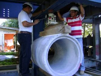 Compresión de tubos de concreto reforzado