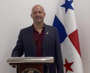 Dr. José Rolando Serracín - Subdirector Académico